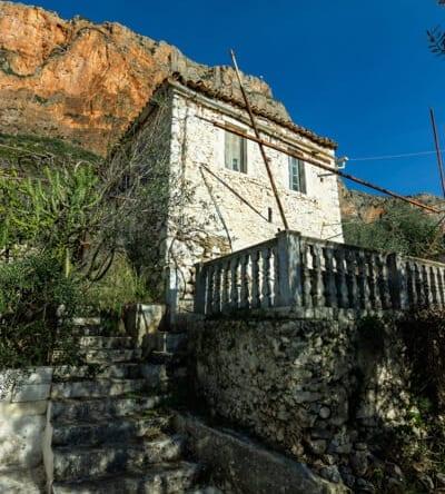 137 | Traditional Stone House in Leonidio