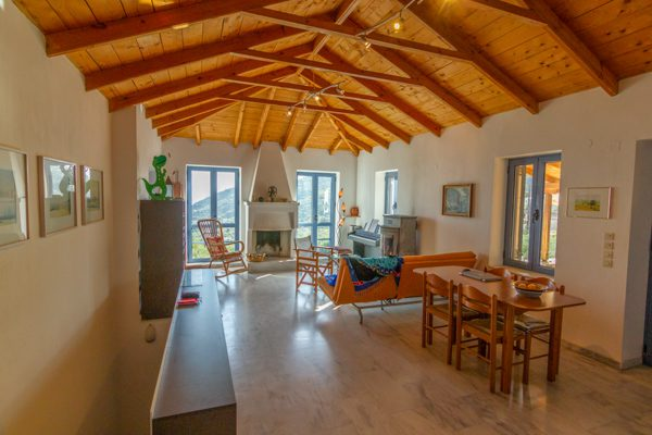 173 | Luxurious House with Amazing View in Tyros, East Peloponnese
